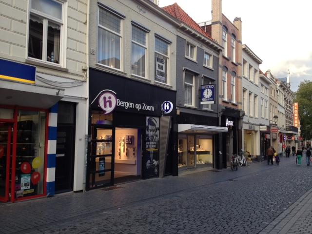smerig Engels hardcore in Bergen op Zoom